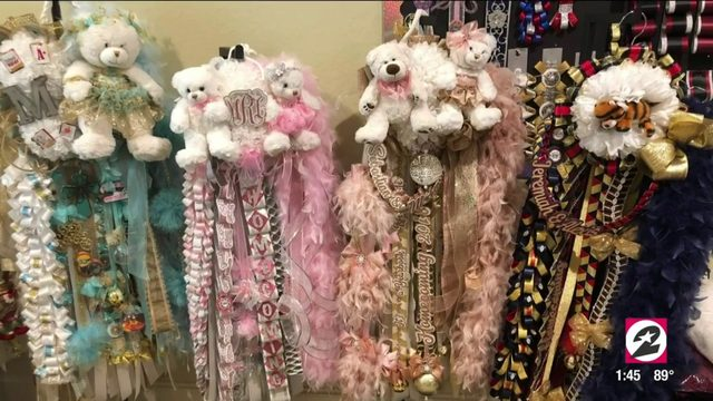 Spring mom creates over-the-top homecoming mums | HOUSTON LIFE | KPRC2