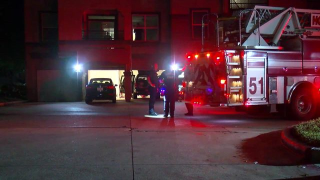Family of 5 hospitalized after suffering carbon monoxide exposure