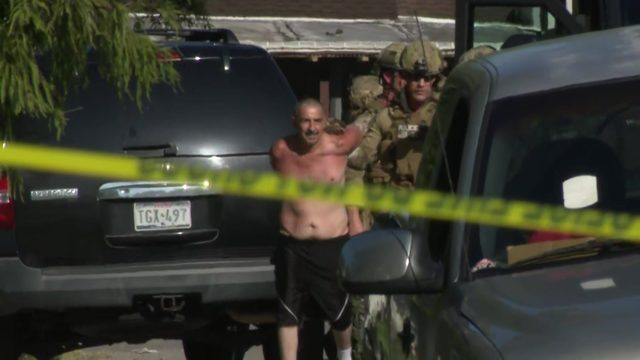 Man in custody after standoff ends in southeast Houston