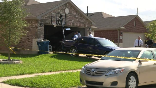Man shot to death at home in north Harris County