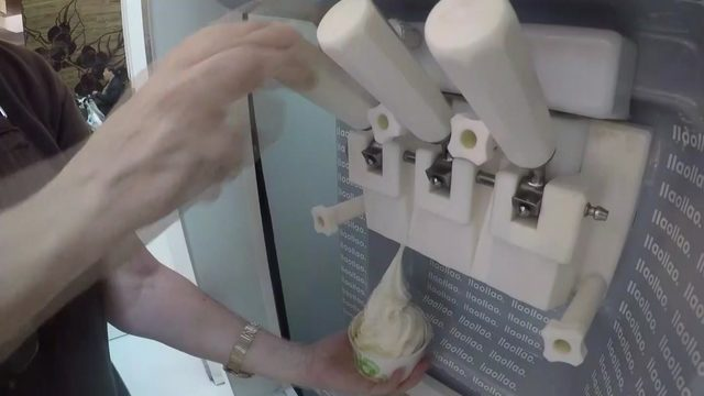 Woman claims she turned off Galleria froyo machine in effort to help