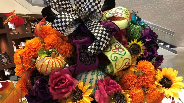 STUNNING: This is the Dia de los Muertos wreath you need to make for…