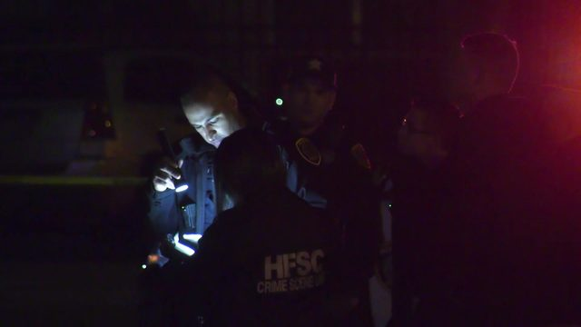 Suspects at large after man killed during possible robbery in southwest Houston