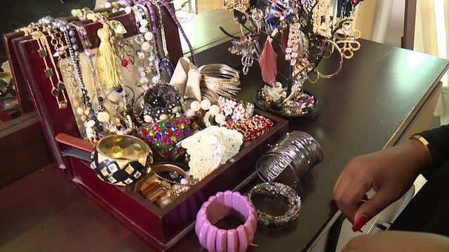 Jewelry, home accessories, boats: Check out these renting packages
