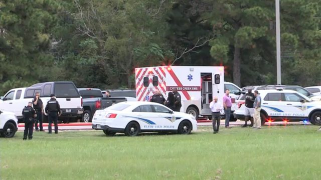 Klein Oak HS student hospitalized after flipping off car in parking lot,…