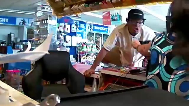Video: Man jumps over counter, steals cigarettes from west Houston store