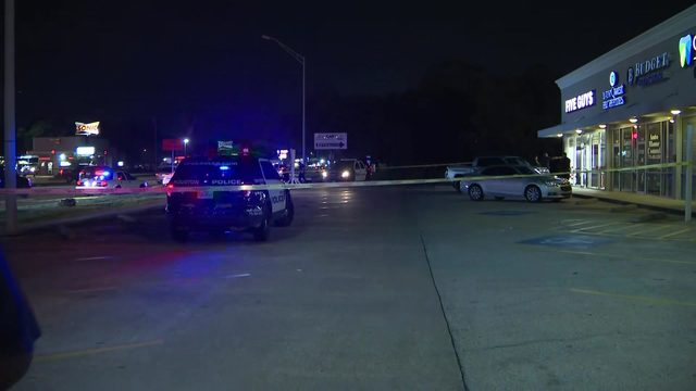 Officials provide updates after deputy shot in arm at NW Houston restaurant