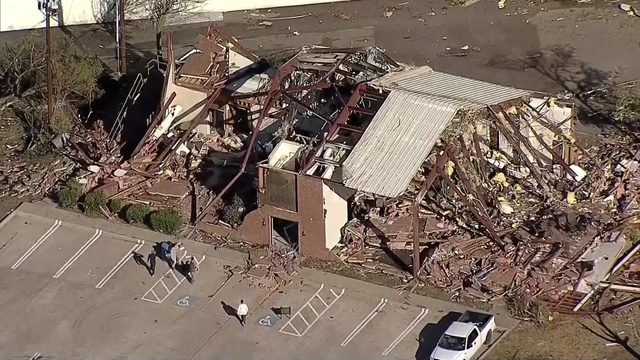 Tornado slams Dallas, minor injuries reported; tree falls on Arkansas…