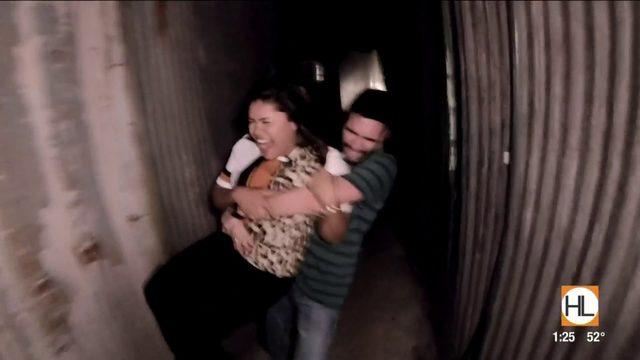 Cat & Carlos brave the scariest haunted house in Texas, Creepy Hollow |…