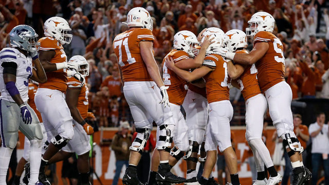 Dicker FG sends Texas over No. 20 Kansas State 27-24