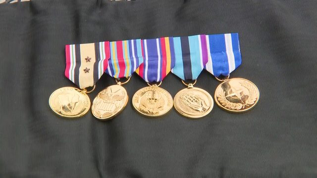 'This is someone's life': Waitress finds veteran's service medals…