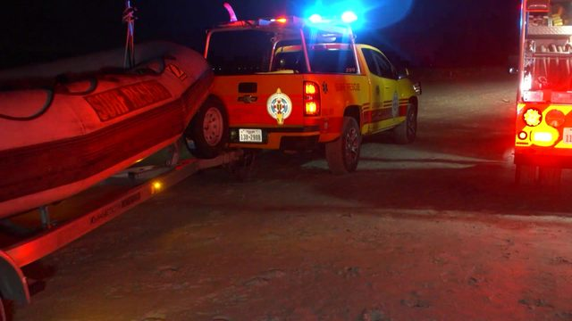 4 boaters stranded on Galveston jetty after crash rescued