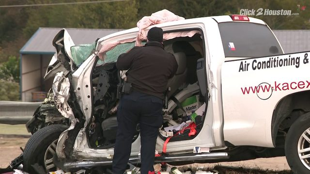 PHOTOS: Violent crash traps at least 1 in north Harris County