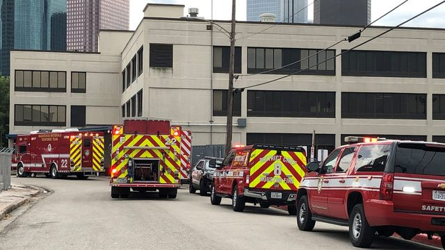 HPD: Investigators testing white powder found in envelope at Houston…