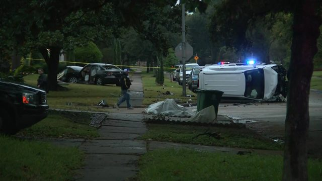 Fatal crash under investigation in southwest Houston neighborhood