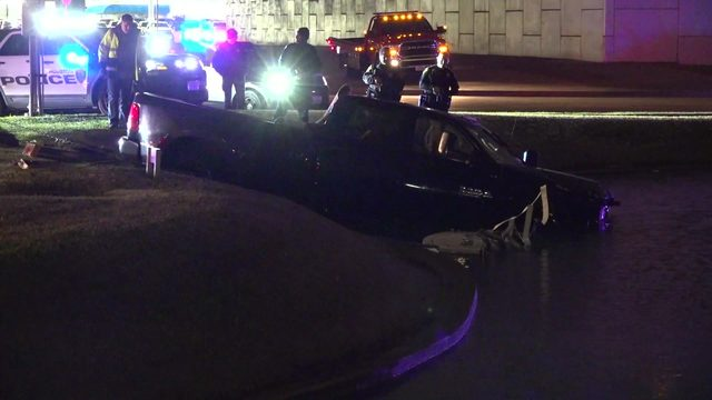 Driver leads police on wild 125 mph chase in stolen truck, authorities say