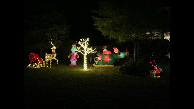 Texas family told to remove Christmas decorations because it's too early